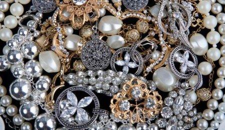 Azərbaycanda qızıl-gümüşün QİYMƏTİ ucuzlaşıb