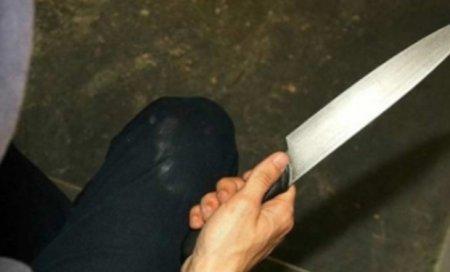 15 yaşlı yeniyetmə bıçaqla cinayət törədib