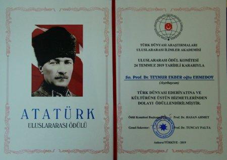Tanınmış tədqiqatçı alim Teymur Əhmədov beynəlxalq mükafata layiq görülüb